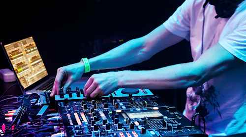 Matt Wedding DJ Melbourne