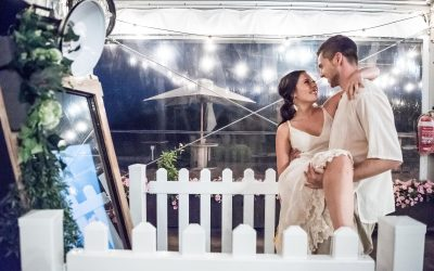 Photo Booth Melbourne Weddings – Fun and Interactive – Mirror Booth