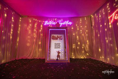 mirror photo booth melbourne